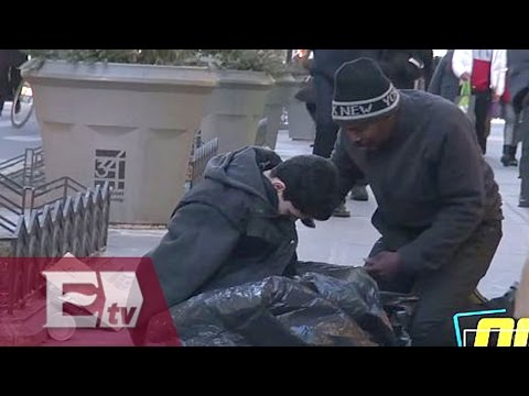 Experimento social: indigente ayuda a un niño de la calle en NY/ Entre Mujeresиз YouTube · Длительность: 11 мин26 с