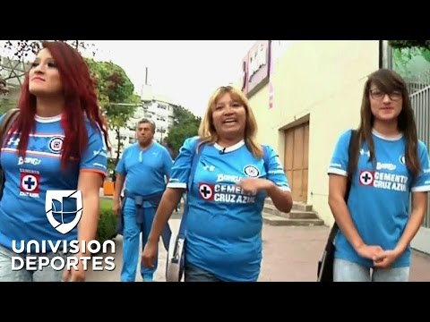 El amor a Cruz Azul, la fiel herencia de una madre a sus dos hijas