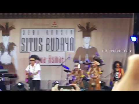 Iwan Fals - Mereka Ada di Jalan (Situs Budaya Papua Asmat)