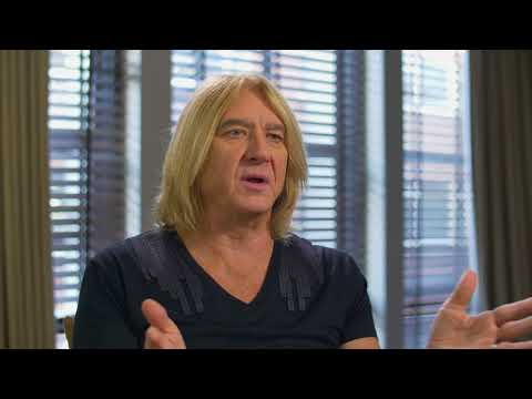DEF LEPPARD - Joe Elliott on the Taylor Swift CMT Crossroads Performance