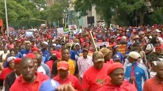 La oposición sudafricana marchó en Pretoria para pedir la renuncia del presidente Zuma