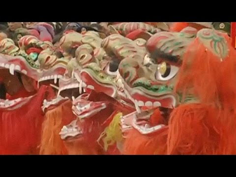 Chinese Lion Dance | An introduction (Hello China)