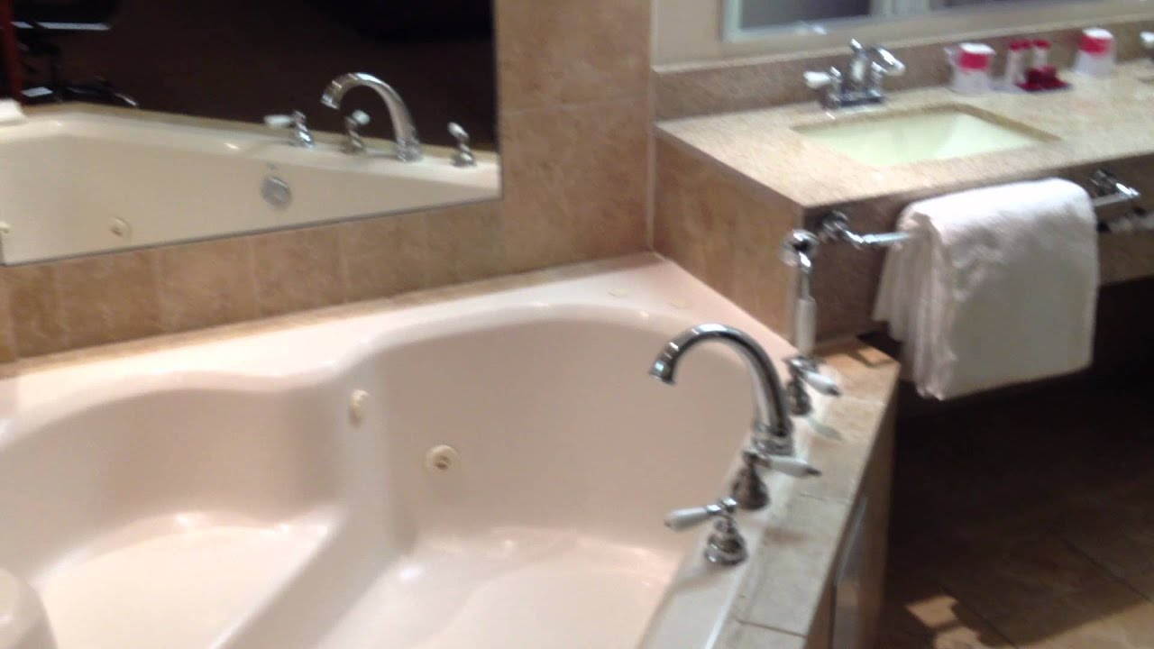 Ramada Rockville Centre Jacuzzi Suite Youtube
