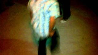 Andy bailando hip-hop  jajaja