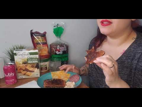 asmr-quick-breakfast-cheese,-toast,-crackers