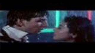 vuclip Kajol kissing Akshay kumar
