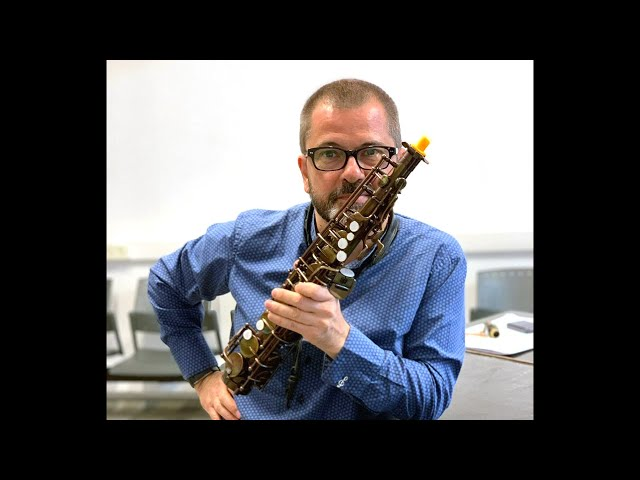 Pro saxophonists play the Emeo