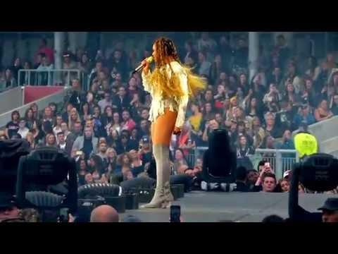 Beyonce - Me myself and I (Live Manchester 2016)