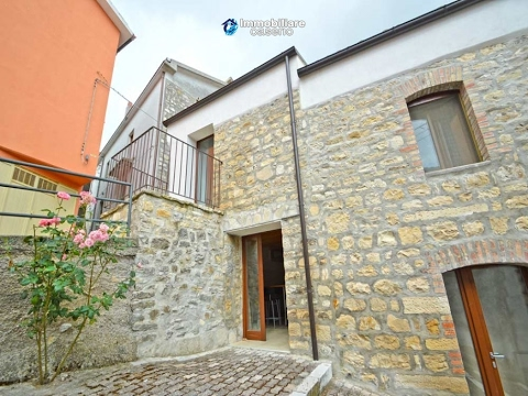 Renovated stone house for sale in Molise, CampobassoVillage Tavenna