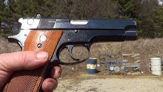 Smith & Wesson Model 39-2 9mm Semi-Auto Pistol