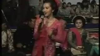 Lagu Dhangdut_Istri setia_Dhini Aditama_Sangga Buana