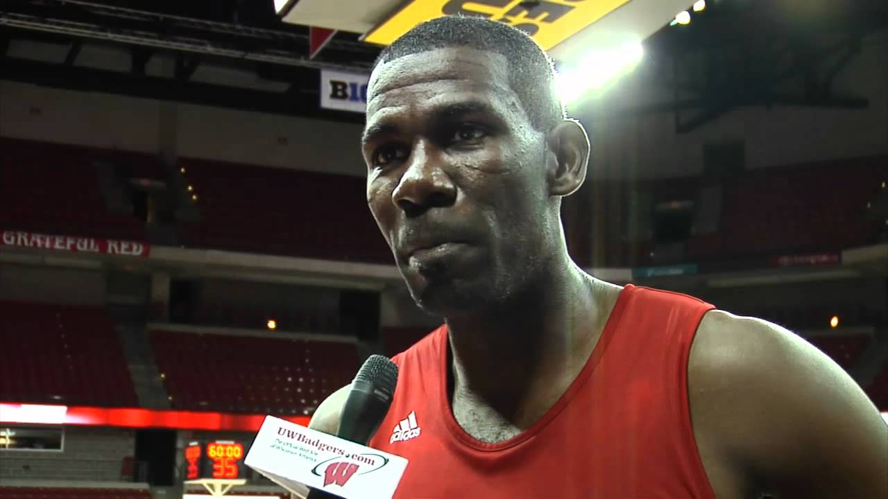 Michael Finley and Devin Harris Practice with the Badgers