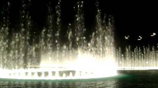 V-Dubai Mall Musical fountain1 (Bassbor Al Fourgakom - Hussain Al Jassmi).AVI