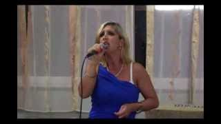 Karaoke Patrizia e Armando cantano BUONASERA DOTTORE