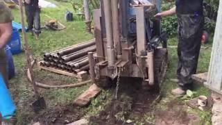 Установка фильтра для скважины и погружение обсадной трубы(, 2016-06-17T15:03:49.000Z)