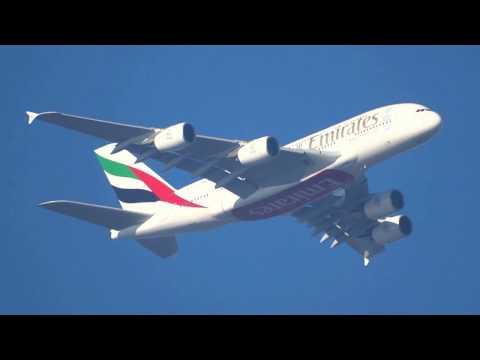 Airbus A380 861 Emirates Immatriculé A6 EEE  Vol UAE73 Dubai == Paris CDG