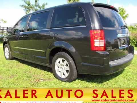 2010 Chrysler Town and Country Touring 4dr Mini Van (Oakland Park, Florida)