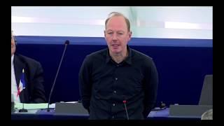 Schade, Udo Voigt (NPD) bekam heute kein Rederecht als Merkel im EU...