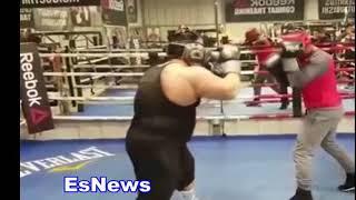 Mikey Garcia vs Big Boy (330 pounds) EsNews Boxing