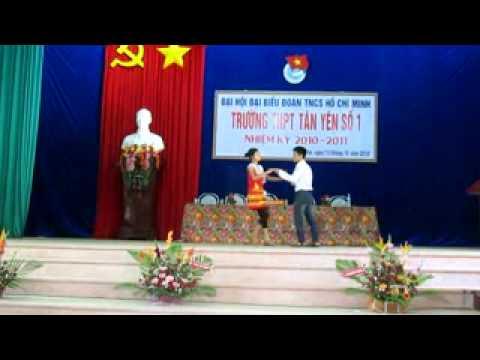 Tiết mục văn nghệ chào mừng Đại hội Đoàn trường THPT Tân Yên số 1