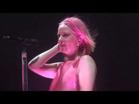Garbage  Milk  Le Zénith Paris  07 11 2015