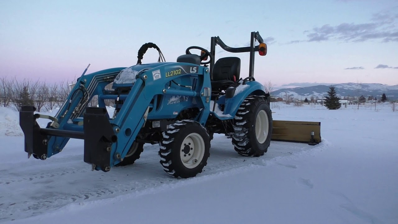Surviving the winter blues with my blue LS tractor