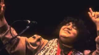 Sindhi Song-Mast Mast Jhulelal-Abida Parveen.flv