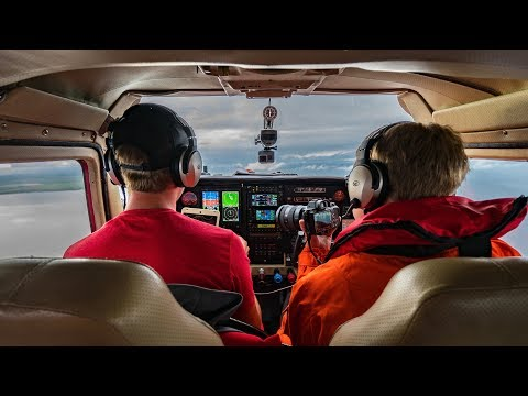 Flying a Cessna to Scotland - Medieval Castles & In-Flight P