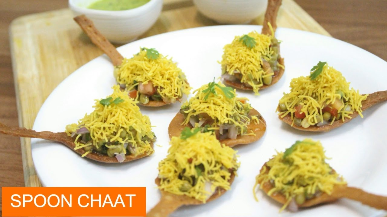 Unique Spoon Chaat Recipe - Sprouted Moong Chaat Recipe - Whole Wheat Puri Chaat - Hindi Recipes