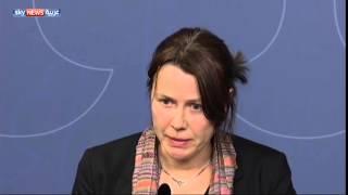 مسؤولة سويدية تذرف الدموع لعجزها عن مساعدة اللاجئين