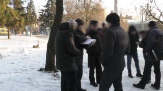 видео У Чернівцях поліція затримала дует квартирних крадіїв