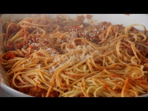 Spaghetti Bolognese - Mad Hungry with Lucinda Scala Quinn
