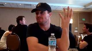Interview With Stephen Amell of Arrow at Comic-Con 2014 Thumbnail