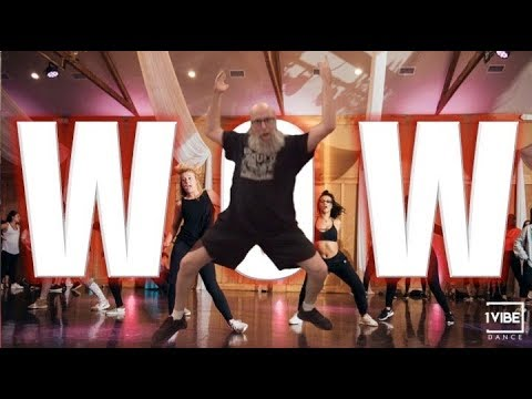 Hip Hop Rap Music Dances - Grandpa Wilds Out Dancing To Post Malone Wow
