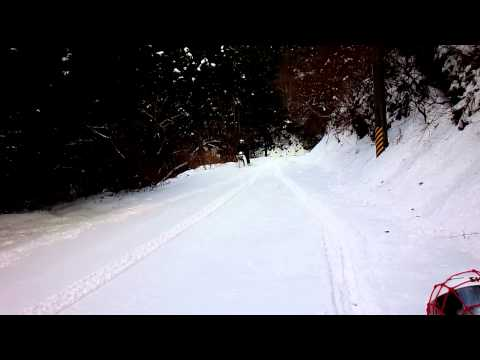 レッグシールドが雪を掻くw