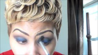 blue smokey eye featuring covergirl queen collection palette