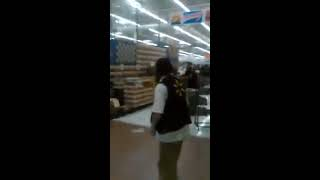 Massive fight involving 30 people at Walmart New York