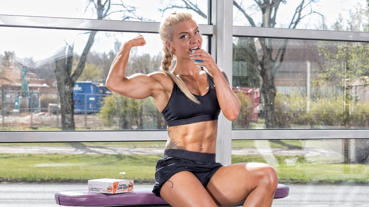 7 REASONS WHY GIRLS DON`T GET RESULTS AT THE GYM