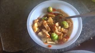 WHAT AN OBESE WOMAN EATS IN A DAY