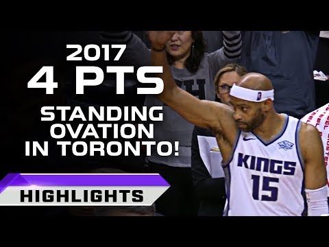 Vince Carter Standing Ovation In Toronto - FINAL GAME IN TO? (12.17.2017)