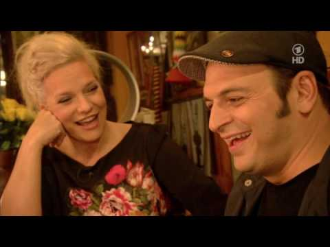 Inas Nacht #Episode 70 - Kaya Yanar, Jochen Busse, Silly, Alligatoah (21.12.2013)