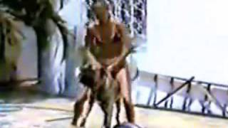 1987 - XUXA DE BIQUINI NA BEIRA DA PISCINA (SENSACIONAL)