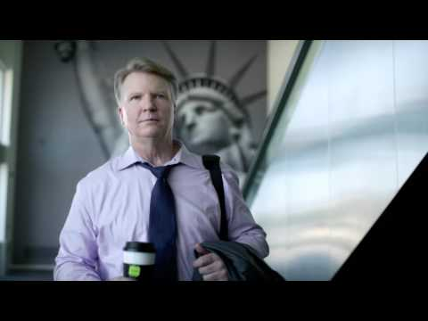 Phil Simms drinks Bigelow Tea