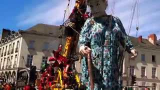 Royal de Luxe 2014 - Grand-Mère - Place Saint Pierre Nantes