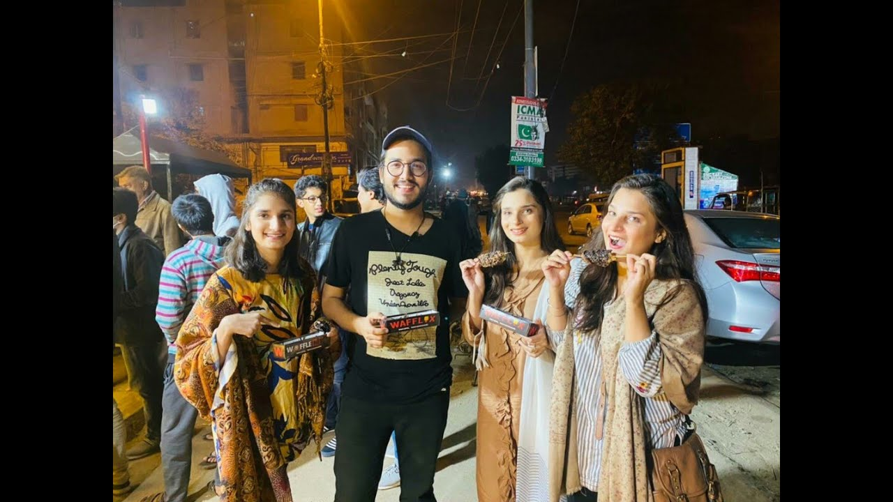 WAFFLES IN KARACHI | Vlog 45 @Mumid Abbas  @Meet Aamra Youtuber Life