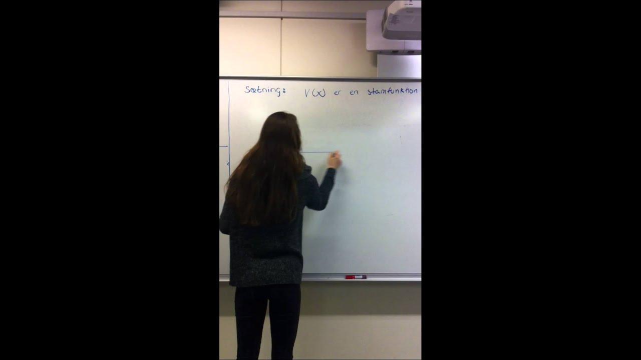 Randi beviser at v(x) er en stamfunktion..