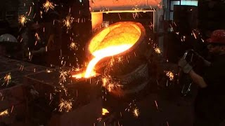 Casting an iron wheel