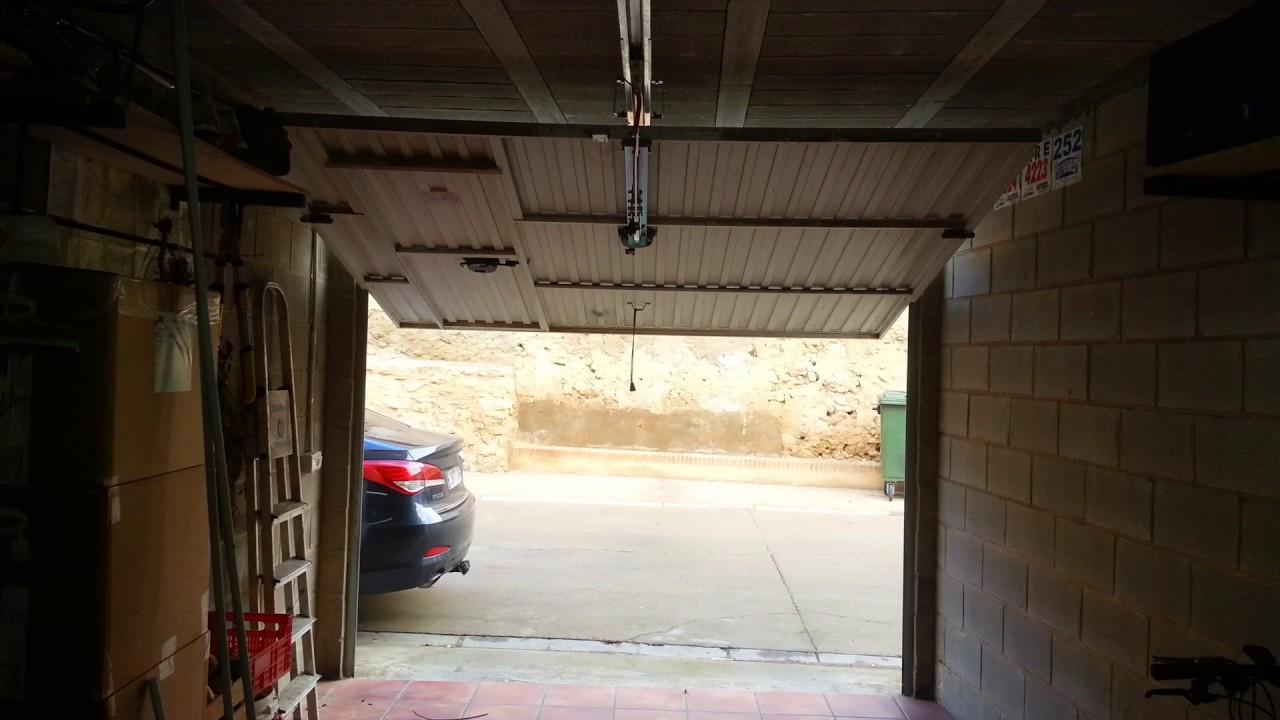 Motor puerta garaje leroy merlin stunning motor dimoel en puerta de garaje roper with motor - Puertas de garaje leroy merlin ...
