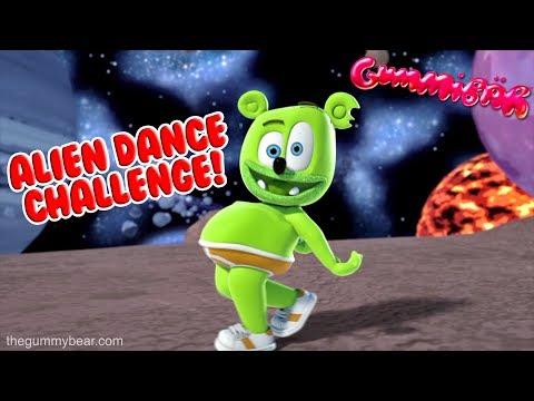 Alien Dance Challenge DAME LA GOMITA Gummibär The Gummy Bear Song Dance Dame Tu Cosita