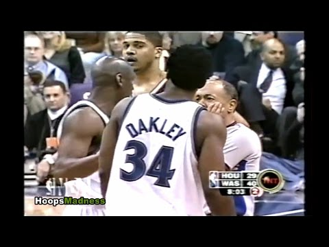 Michael Jordan Trying to Make Peace Between Charles Oakley and Referee!